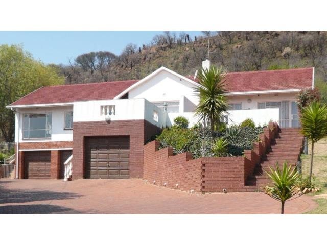 7 bedroom house. 7 bedroom House for sale in Mondeor Rock Thatch Realty  Property Detail