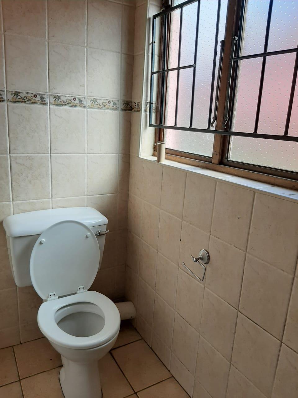 3 Bedroom House To Rent in Bisley