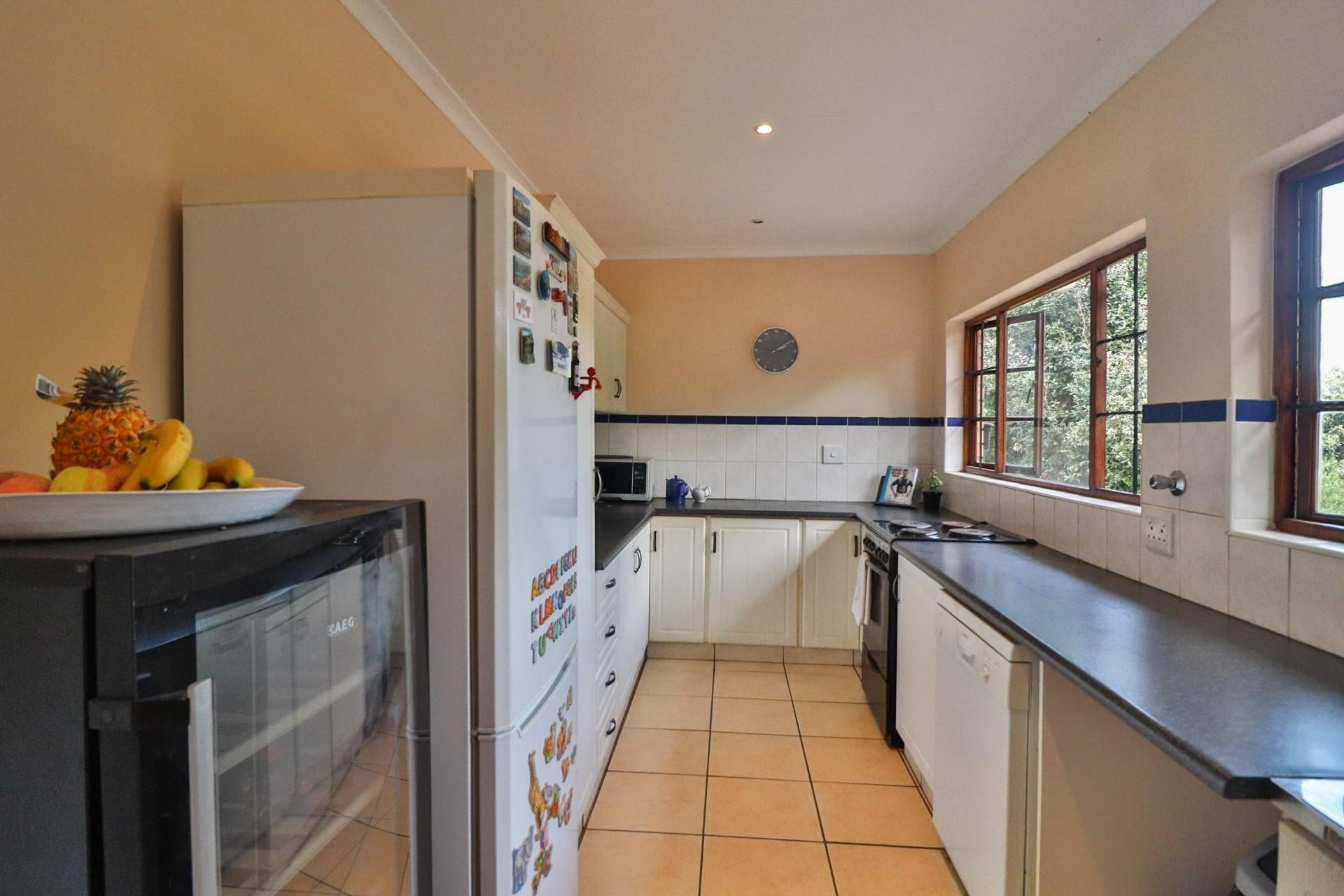 3 Bedroom House For Sale in Montrose