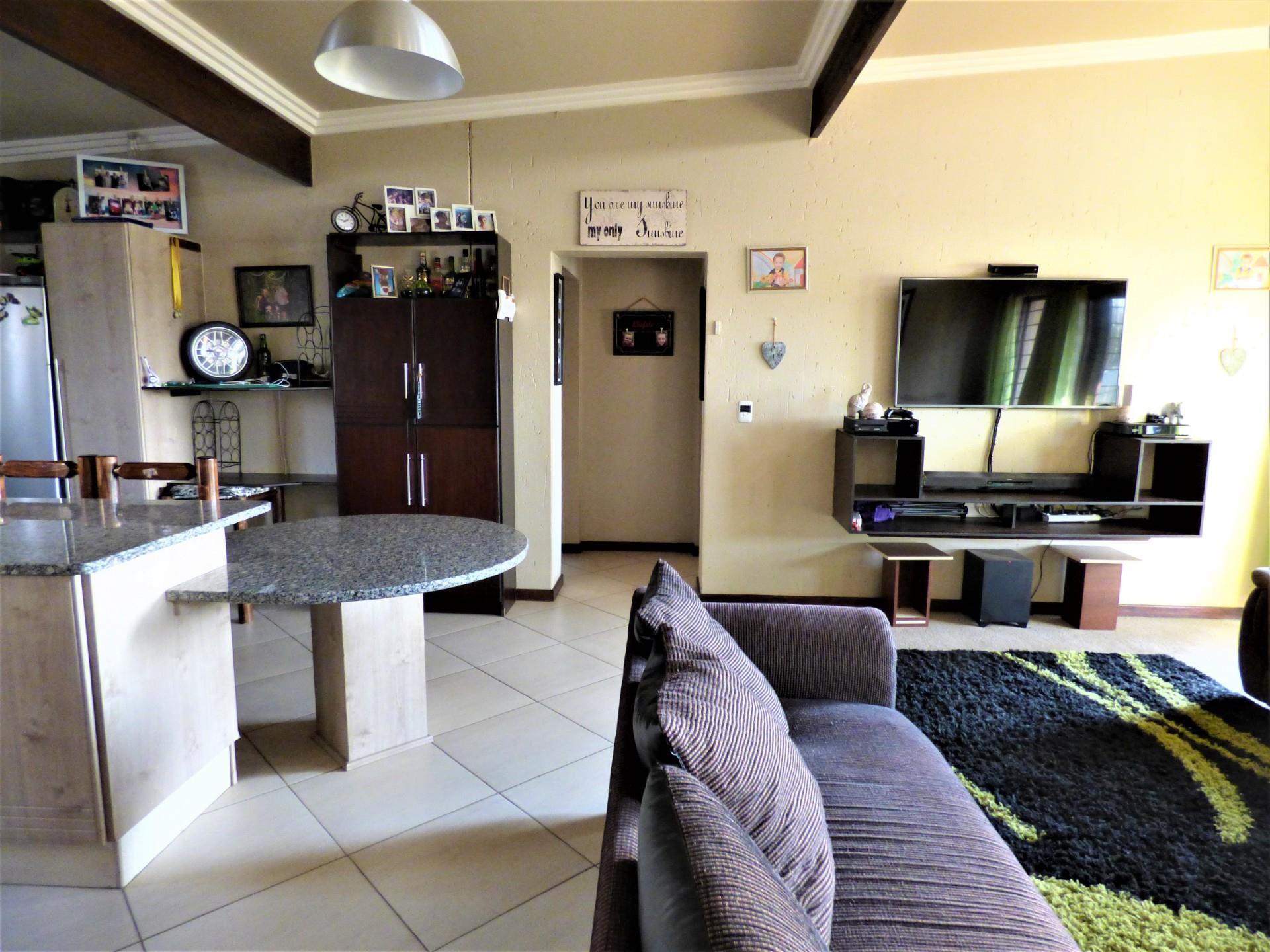 3 Bedroom Cluster For Sale in Brentwood Park
