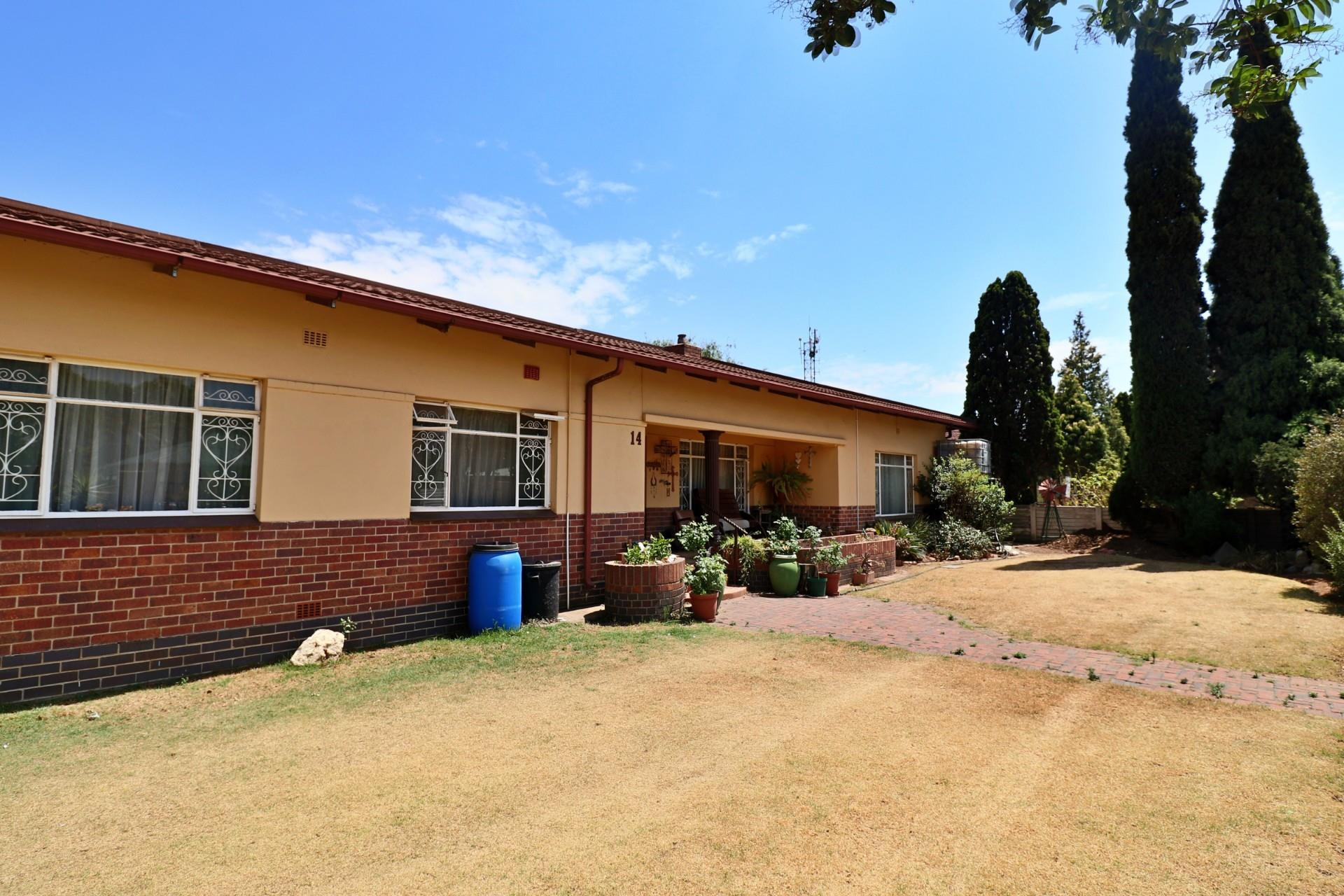 4 Bedroom House For Sale in Northmead