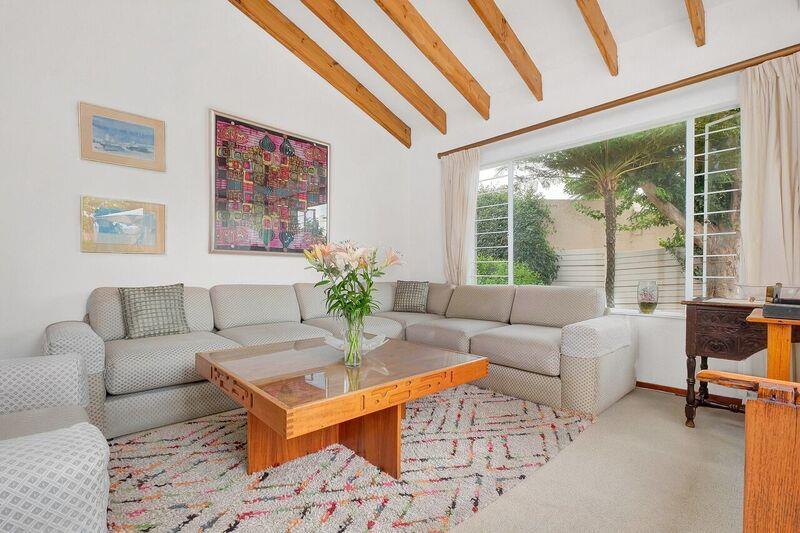 3 Bedroom House For Sale in Hurlingham Manor