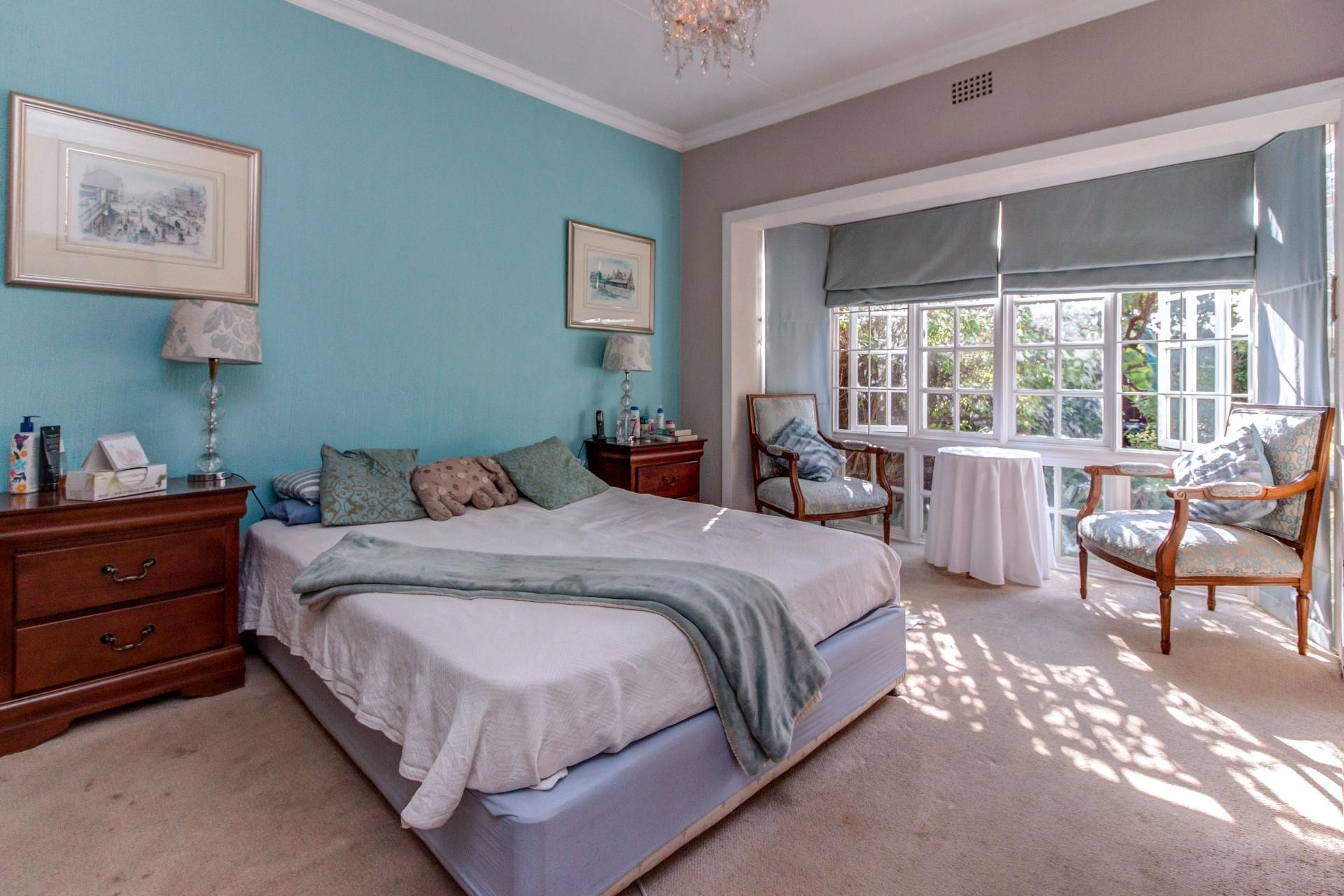 3 Bedroom Simplex For Sale in Fourways