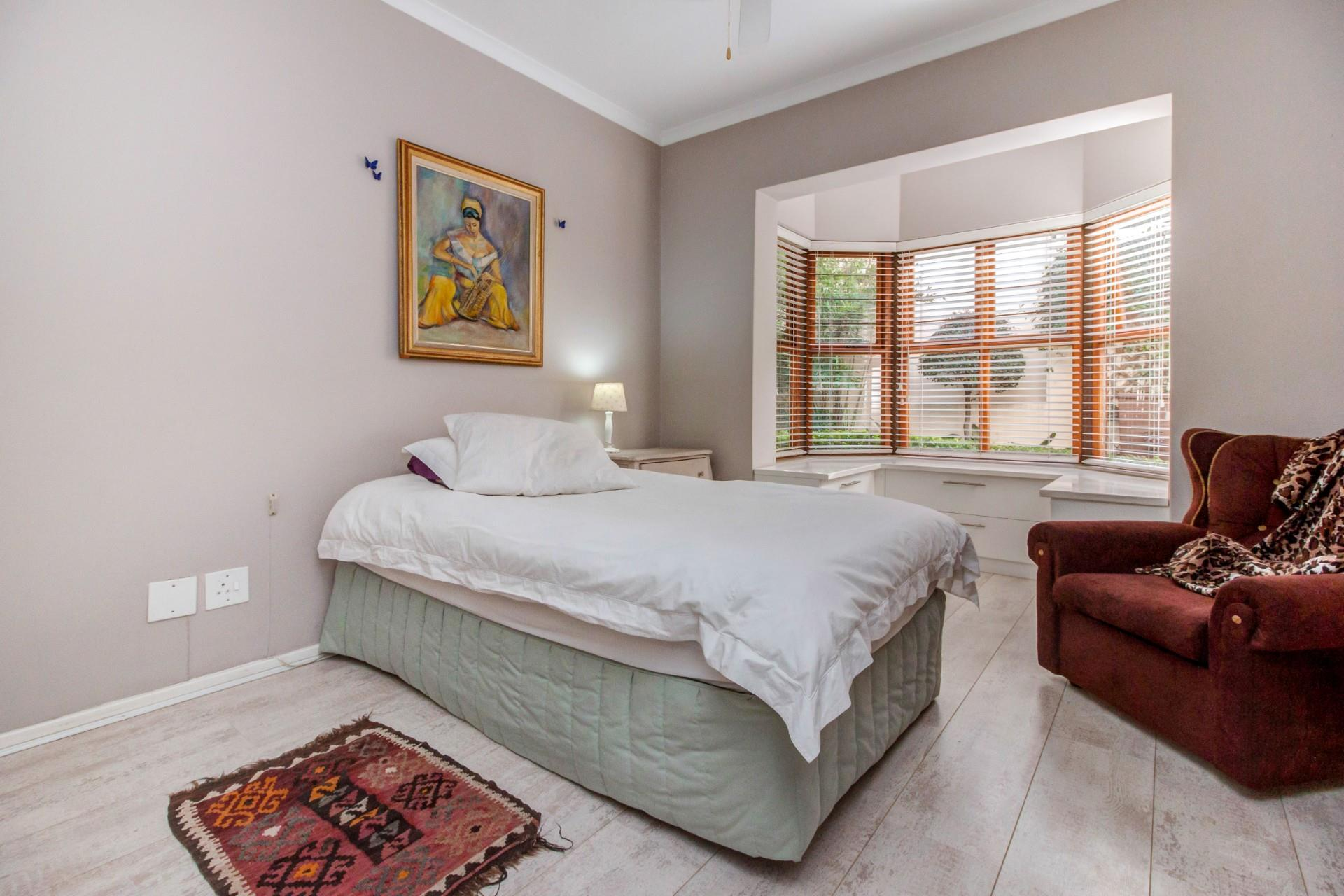 2 Bedroom Apartment / Flat For Sale in Bryanston