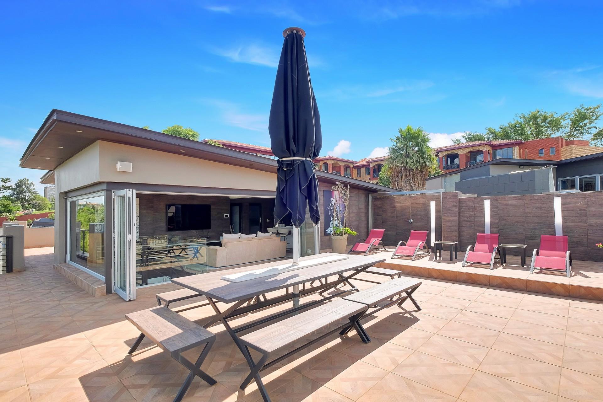 3 Bedroom Apartment / Flat For Sale in Hurlingham Manor