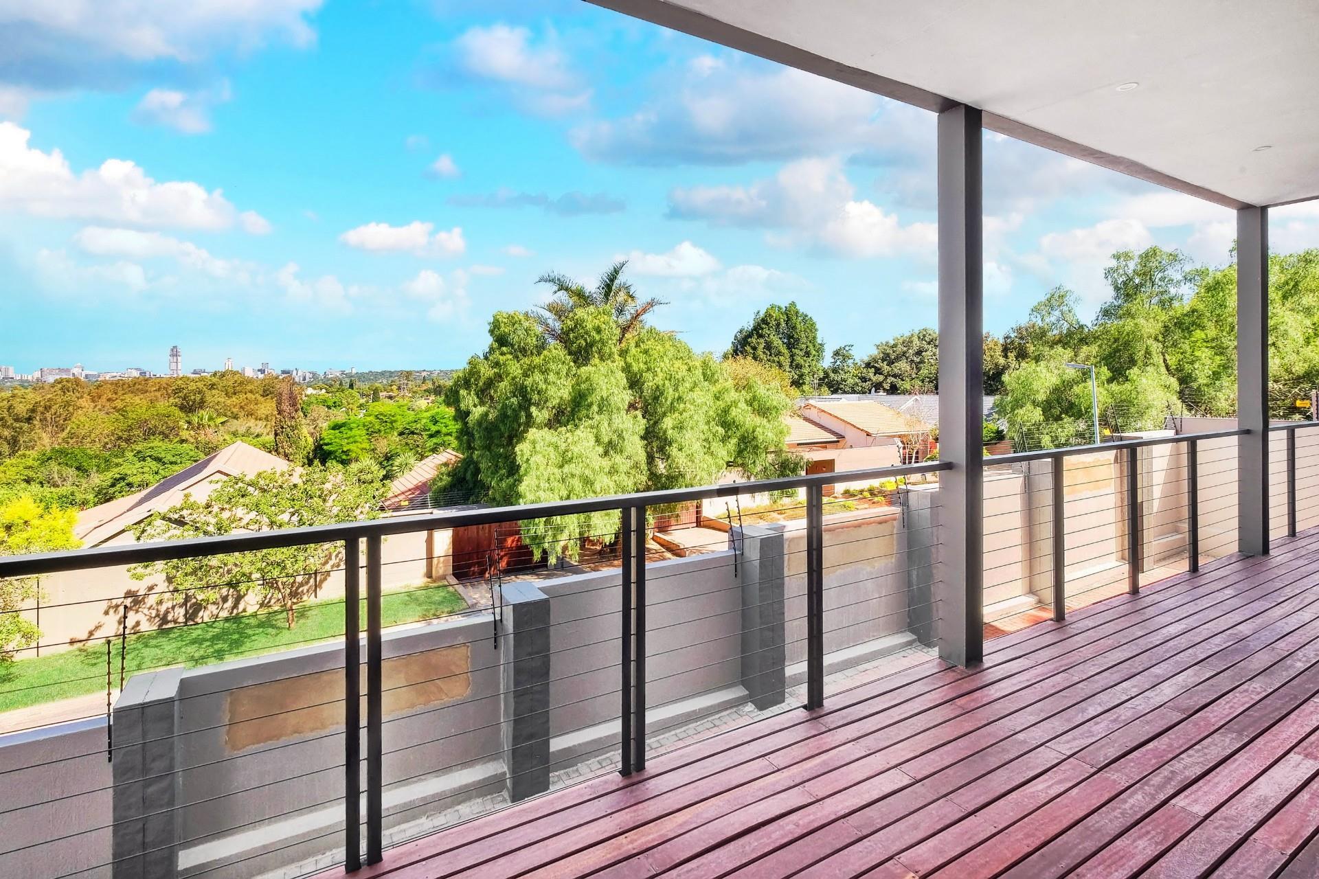 4 Bedroom Apartment / Flat For Sale in Hurlingham Manor