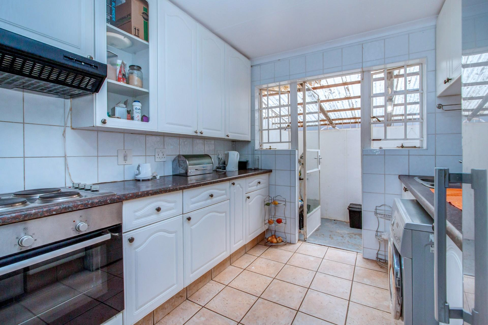 3 Bedroom House For Sale in Northwold Gardens