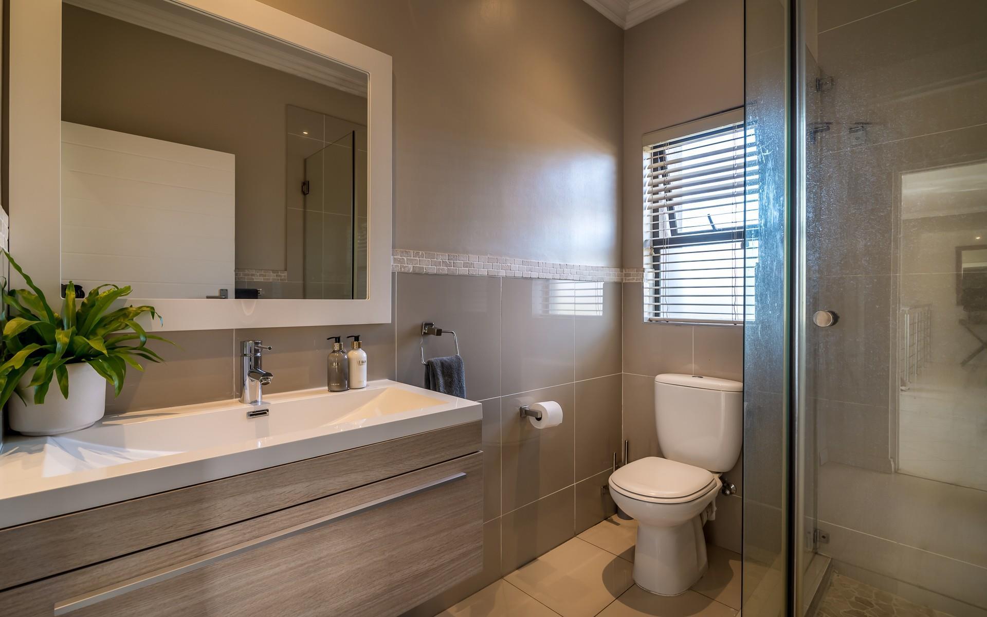 4 Bedroom House For Sale in Broadacres