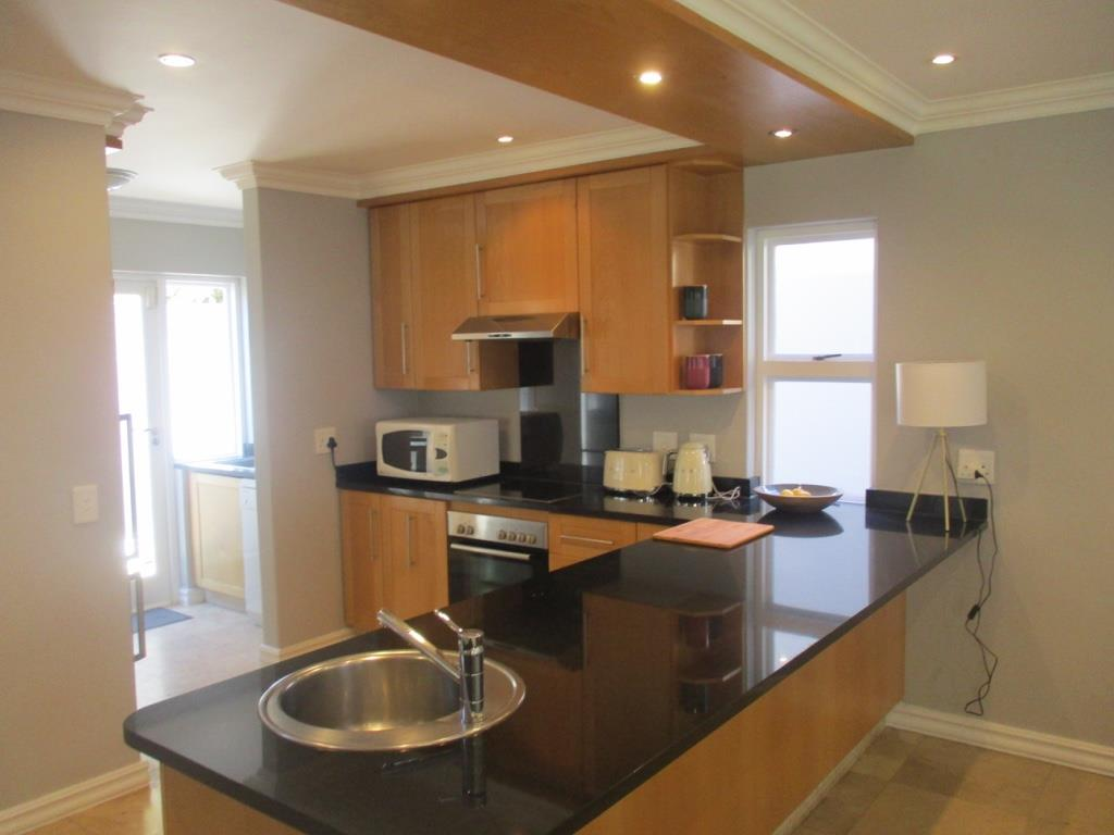 3 Bedroom Apartment / Flat To Rent in Melrose