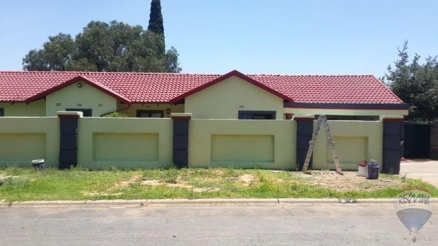 3 Bedroom House For Sale in Birchleigh North & Ext