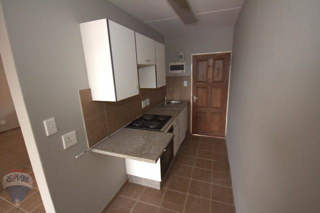 2 Bedroom Apartment For Sale in Kempton Park & Ext