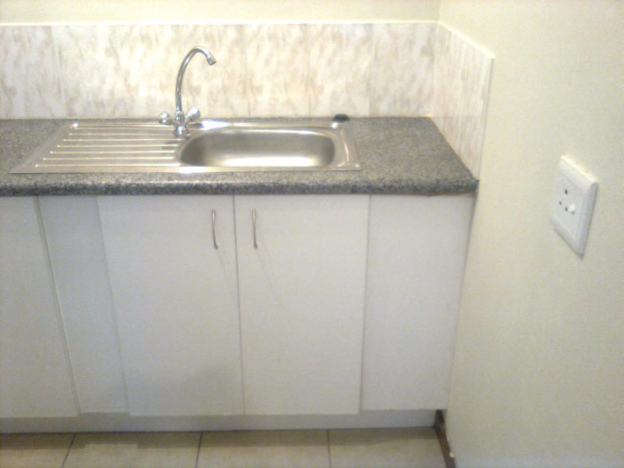 1 Bedroom Apartment For Sale in Kempton Park