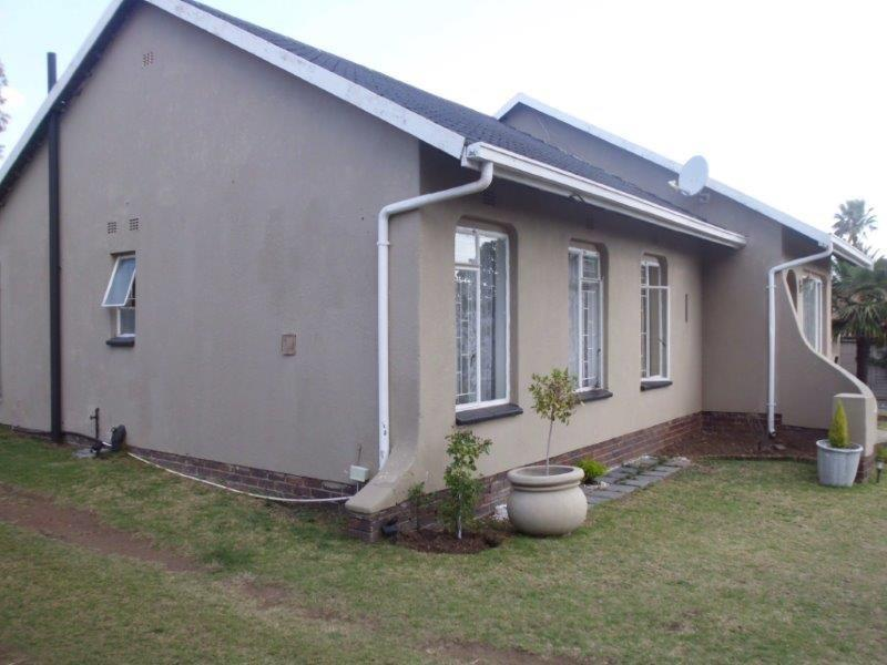 3 Bedroom House For Sale in Birch Acres