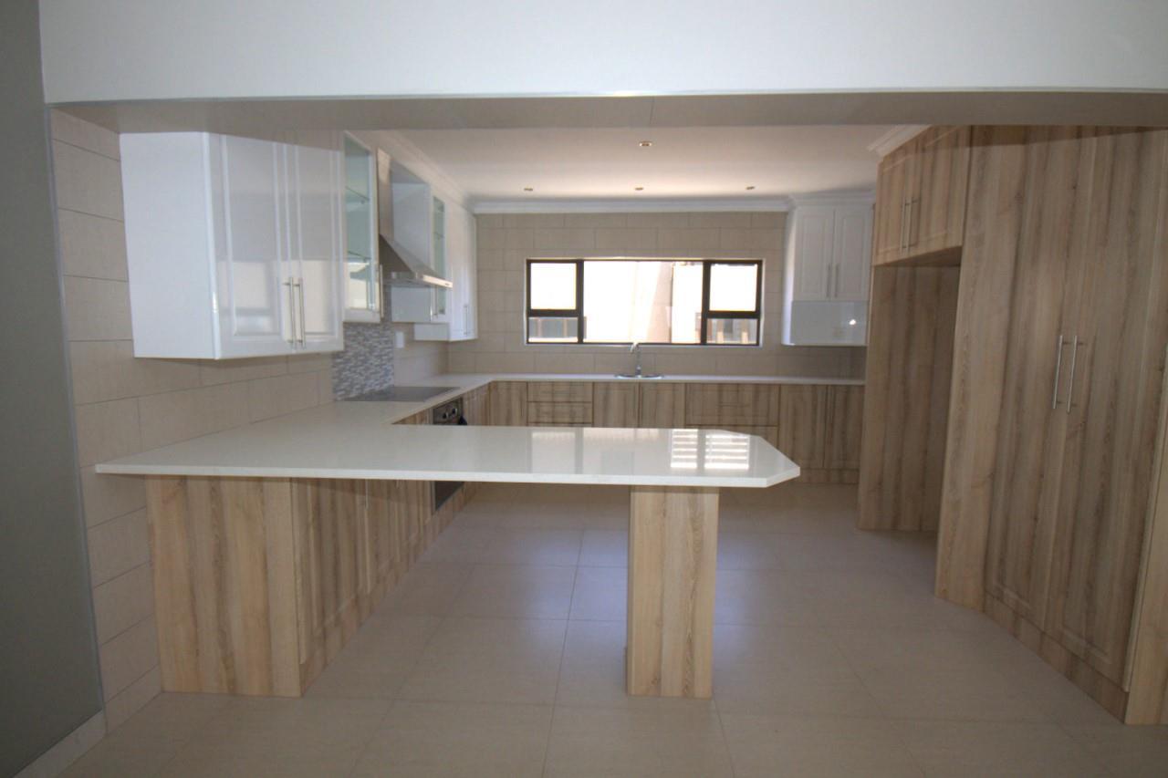 3 Bedroom House For Sale in Glen Eagle Estate