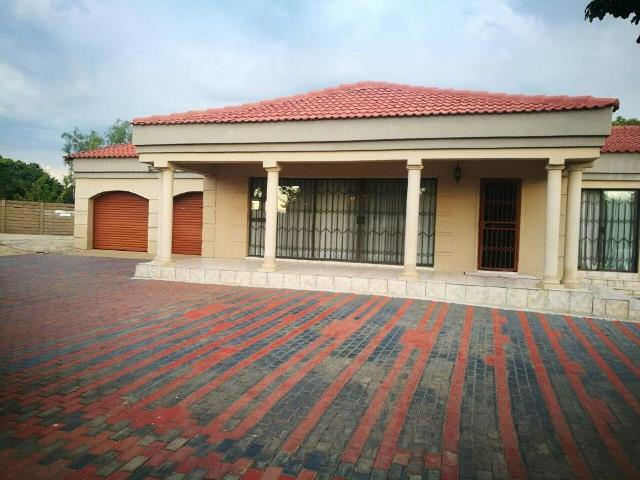 3 Bedroom House For Sale In Clayville Re Max Of