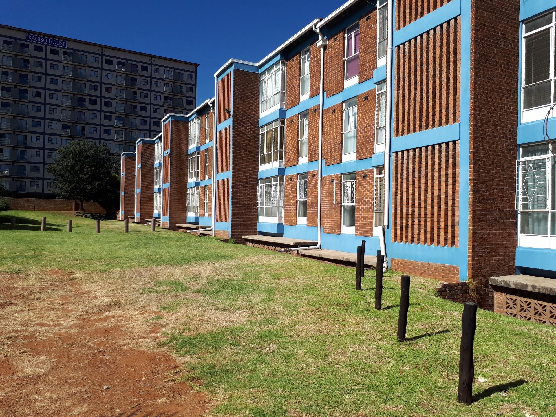 1 Bedroom Apartment / Flat For Sale in Kempton Park ...