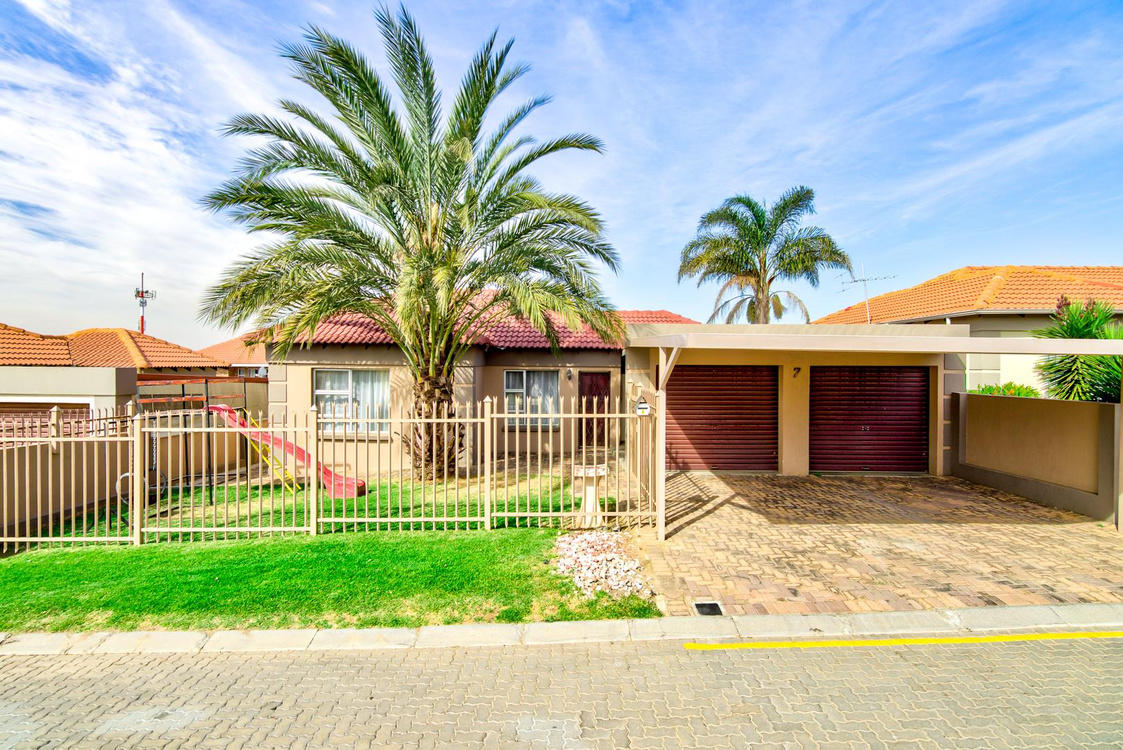 2 Bedroom House For Sale in Birchleigh