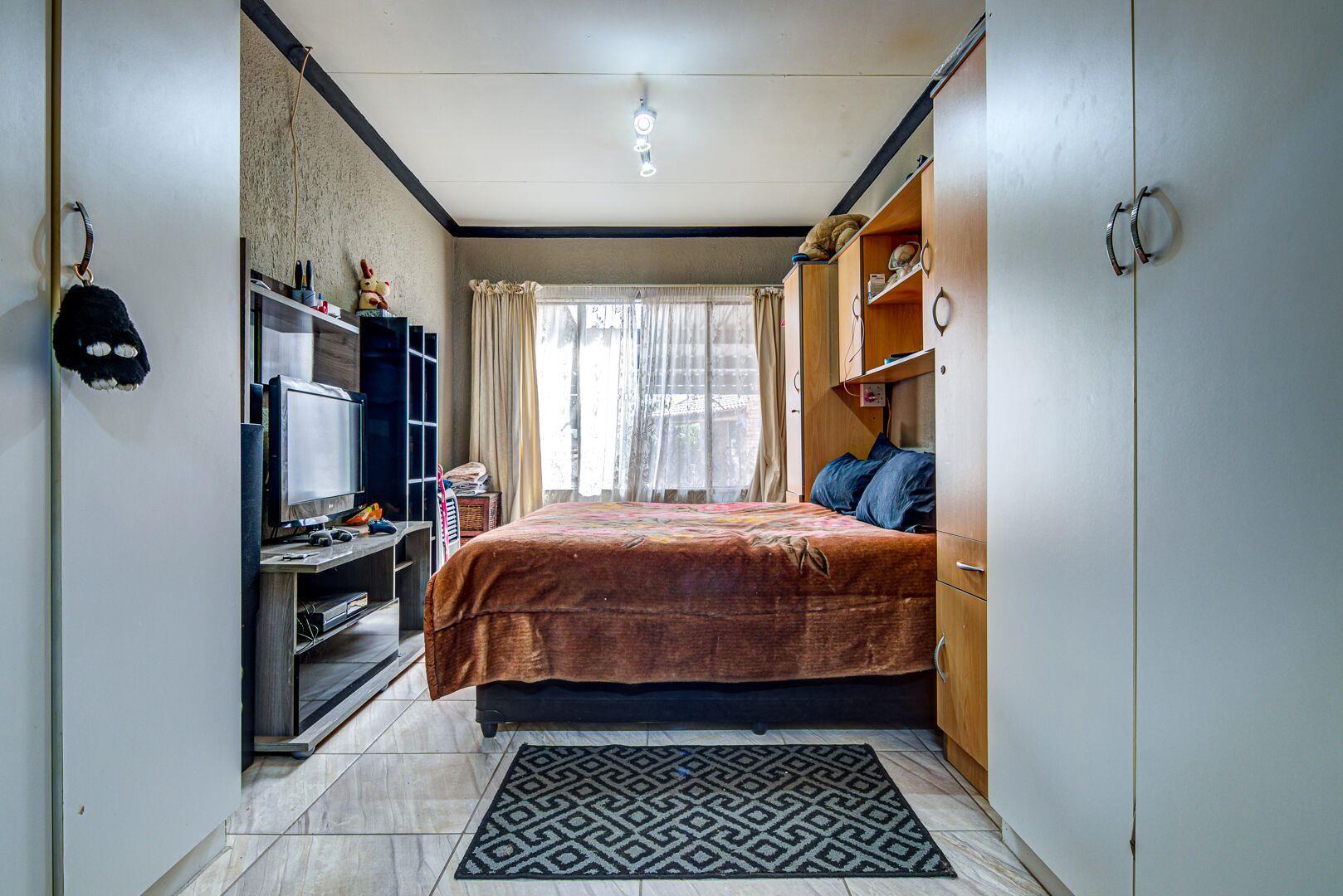 3 Bedroom House For Sale in Bonaero Park