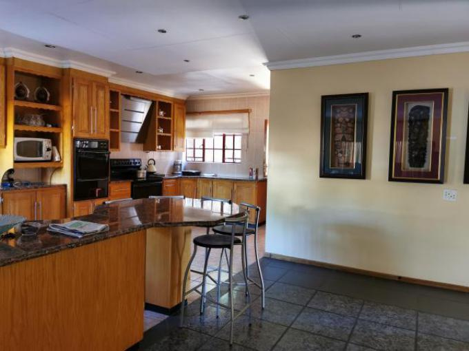 4 Bedroom House For Sale in Amandasig