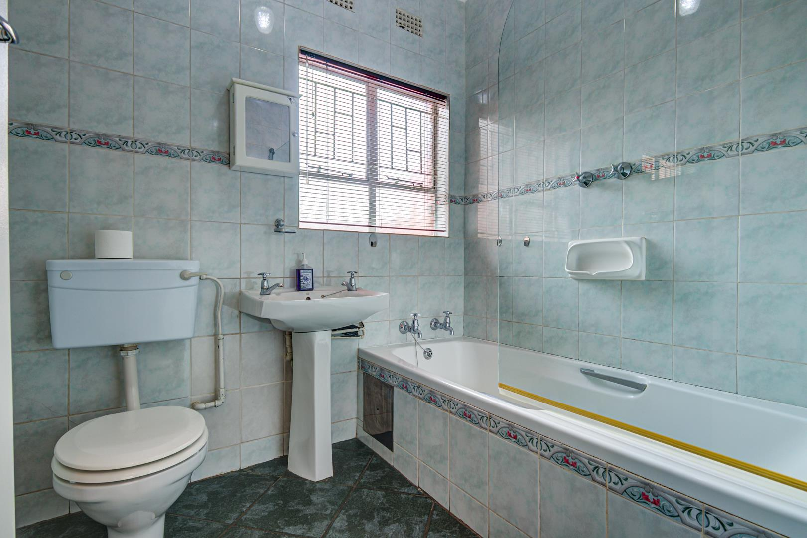 2 Bedroom Town house For Sale in Birchleigh North
