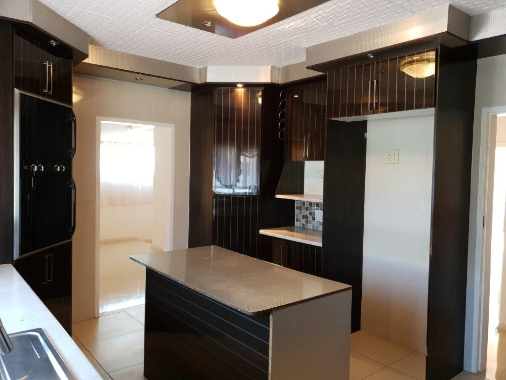 3 Bedroom House For Sale in Arcon Park
