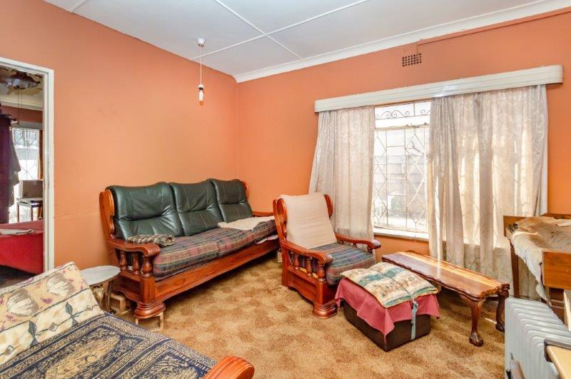 8 Bedroom House For Sale in Cresslawn