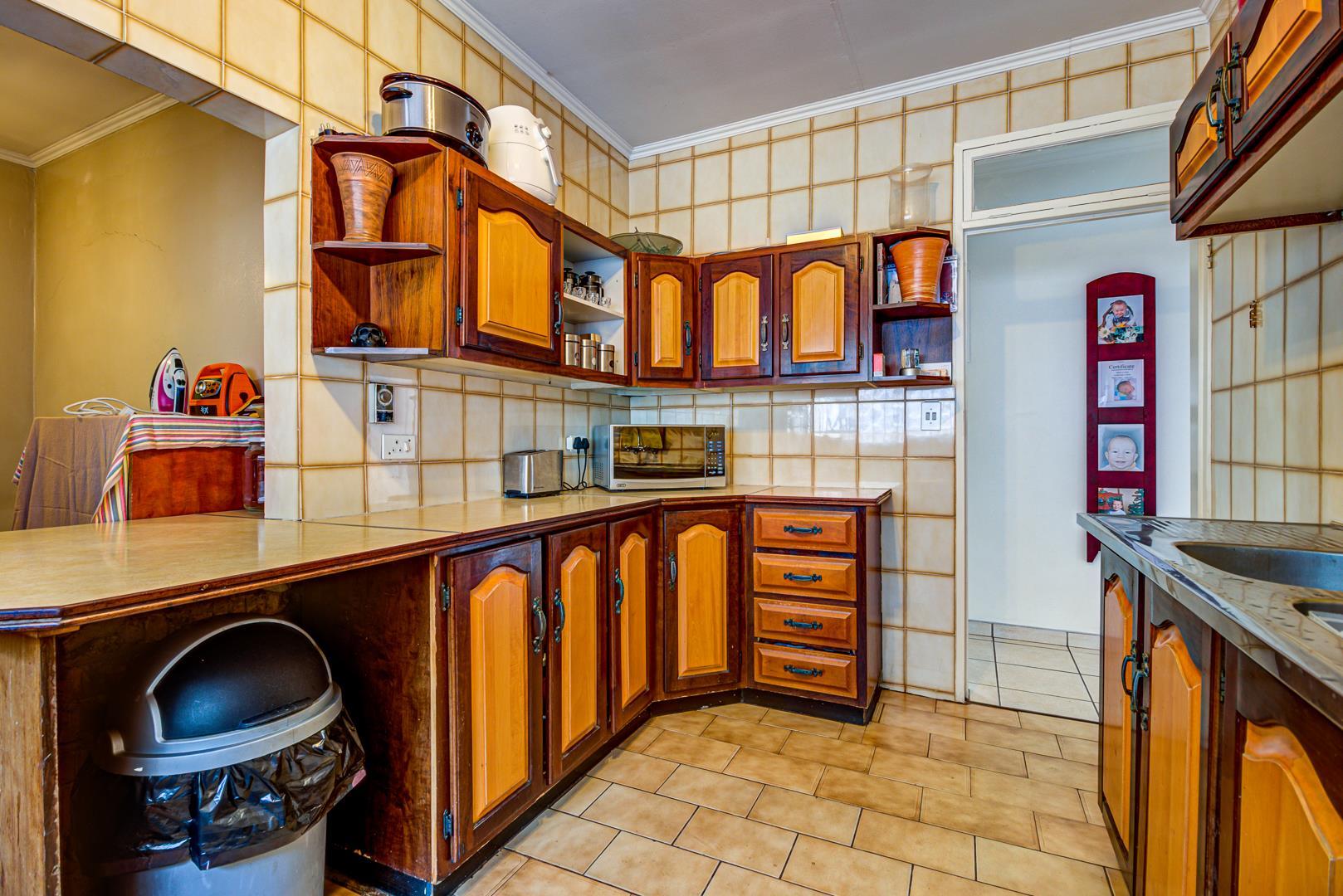 3 Bedroom House For Sale in Van Riebeeck Park