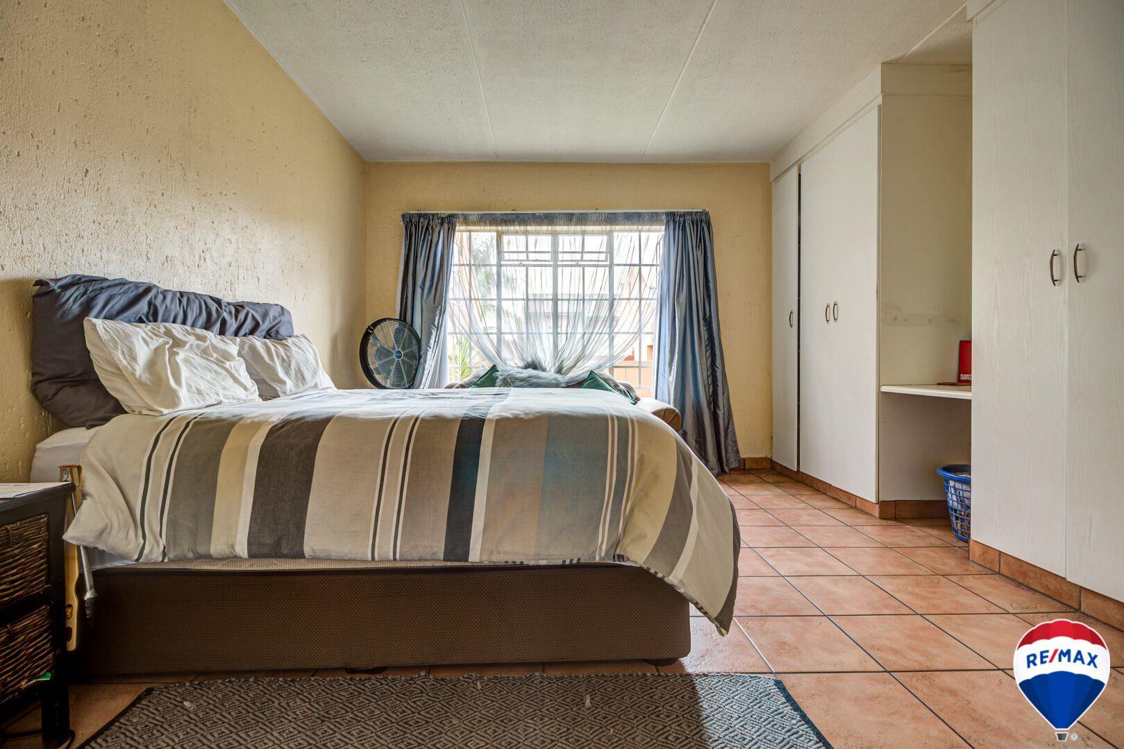 3 Bedroom Apartment / Flat For Sale in Glen Marais