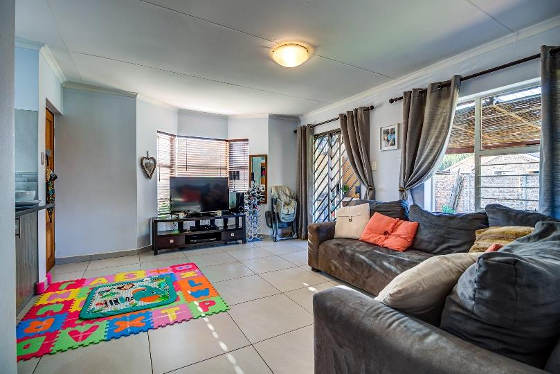 2 Bedroom House For Sale in Pomona