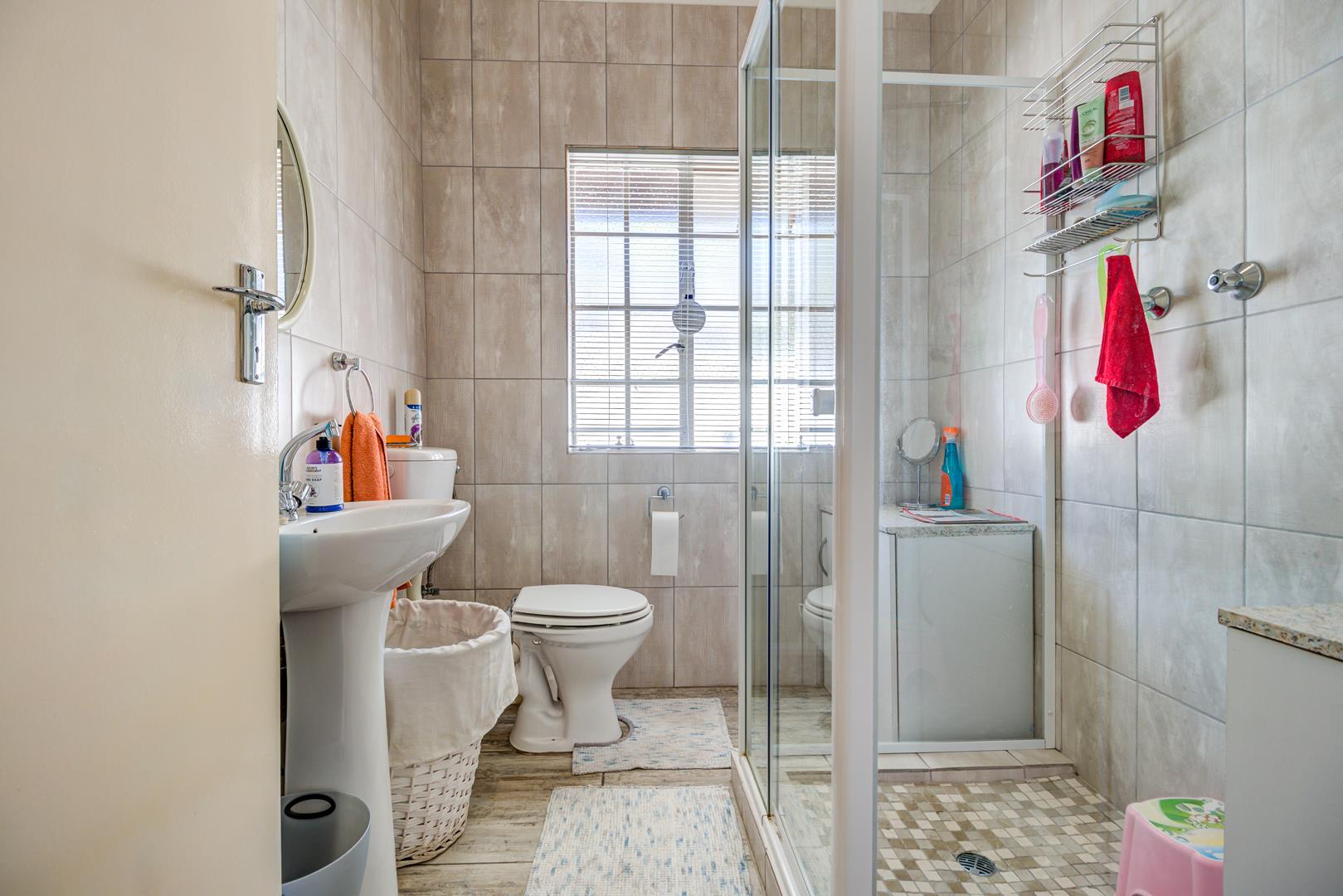 3 Bedroom House For Sale in Illiondale