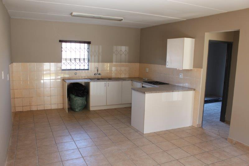 2 Bedroom Townhouse For Sale in Birchleigh