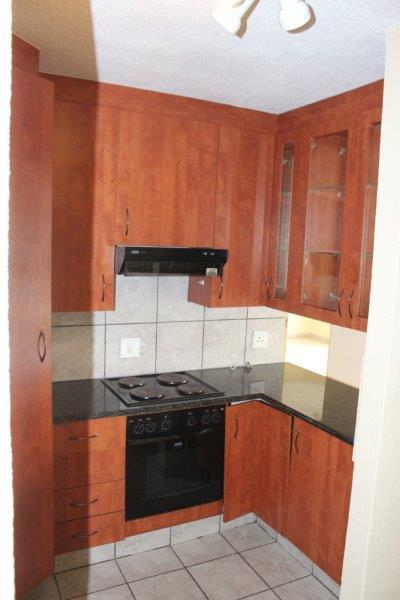 2 Bedroom House For Sale in Kempton Park Central