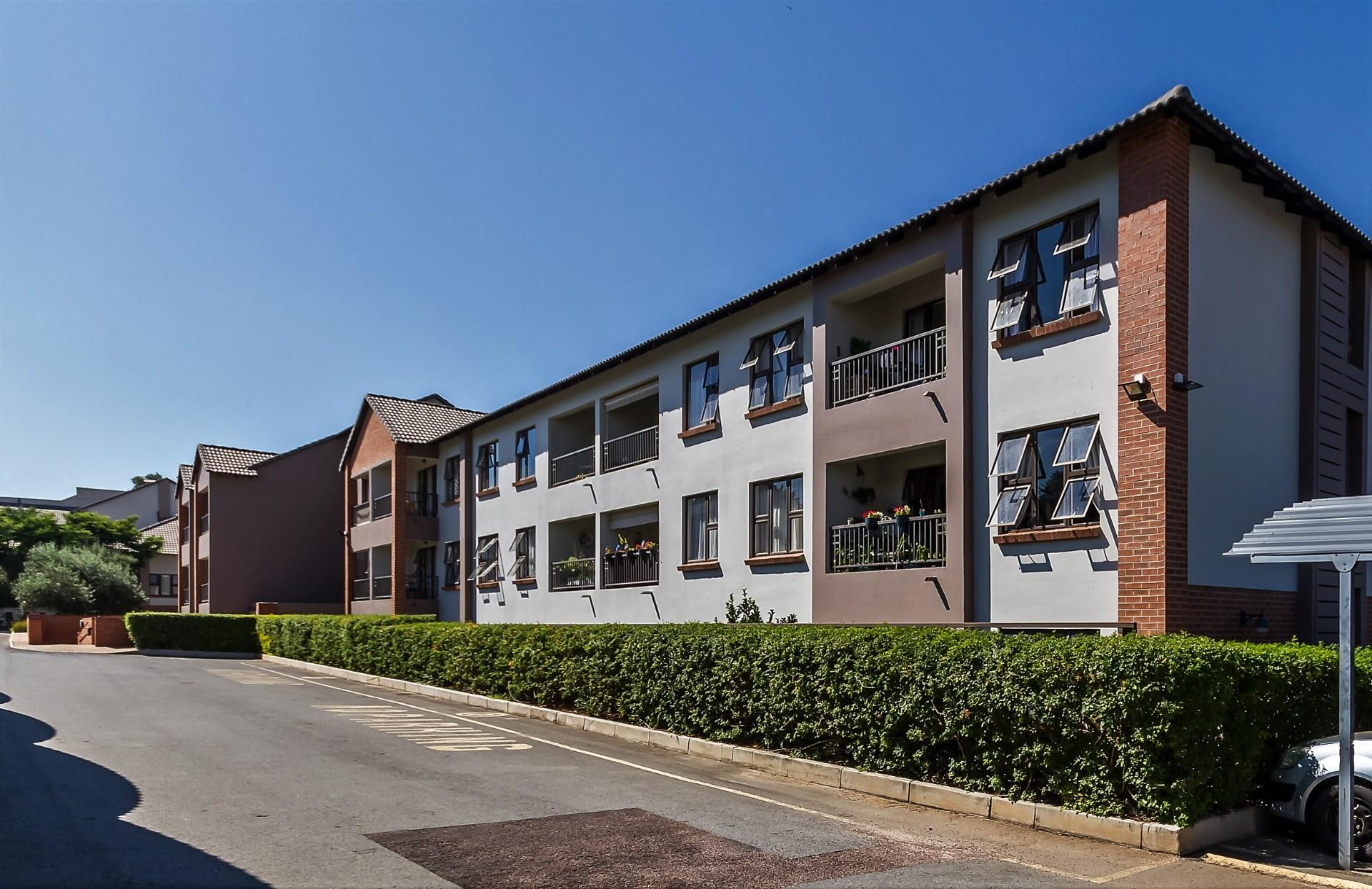 Town house in Douglasdale | RE/MAX