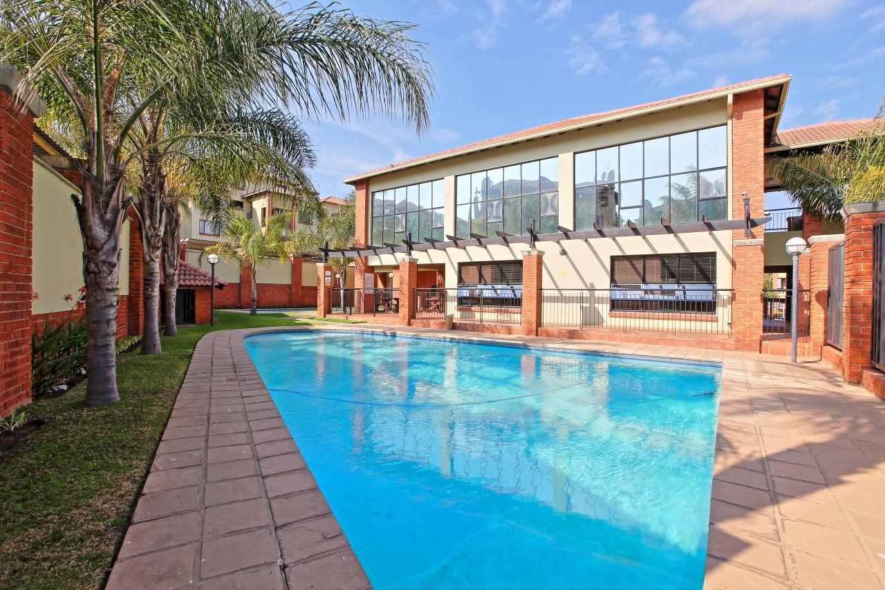 2 Bedroom Apartment / Flat For Sale in Sunninghill
