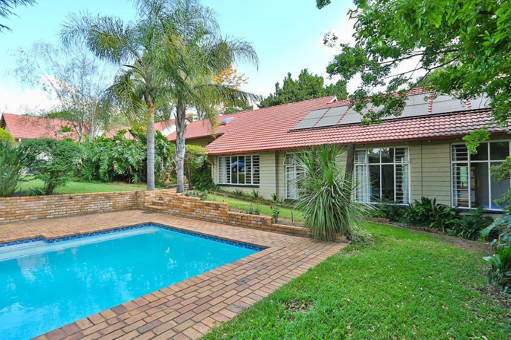 5 Bedroom House For Sale in Parkmore