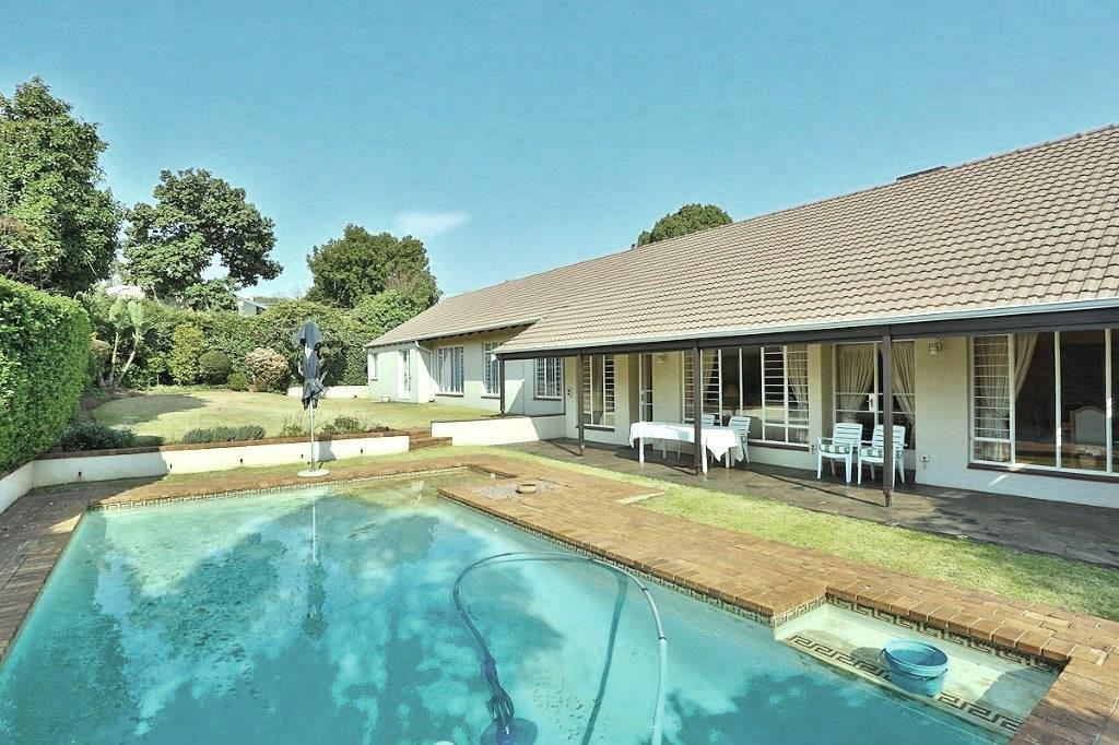 4 Bedroom House For Sale in Parkmore