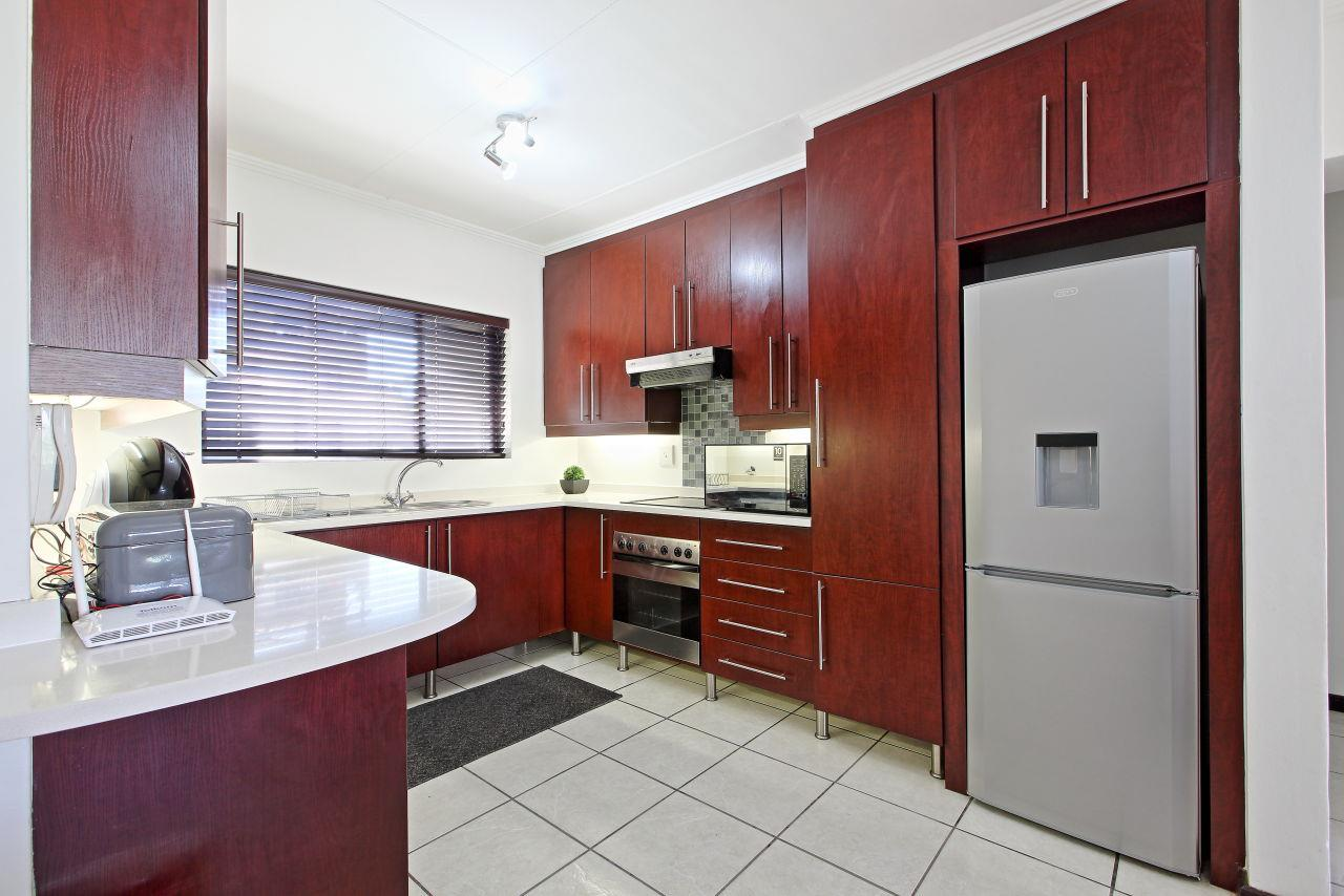 3 Bedroom Apartment / Flat To Rent in Sunninghill