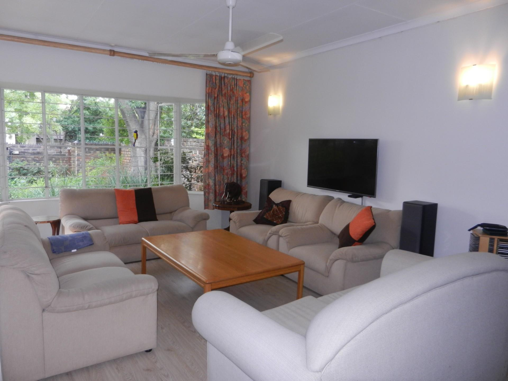 3 Bedroom Townhouse For Sale in River Club