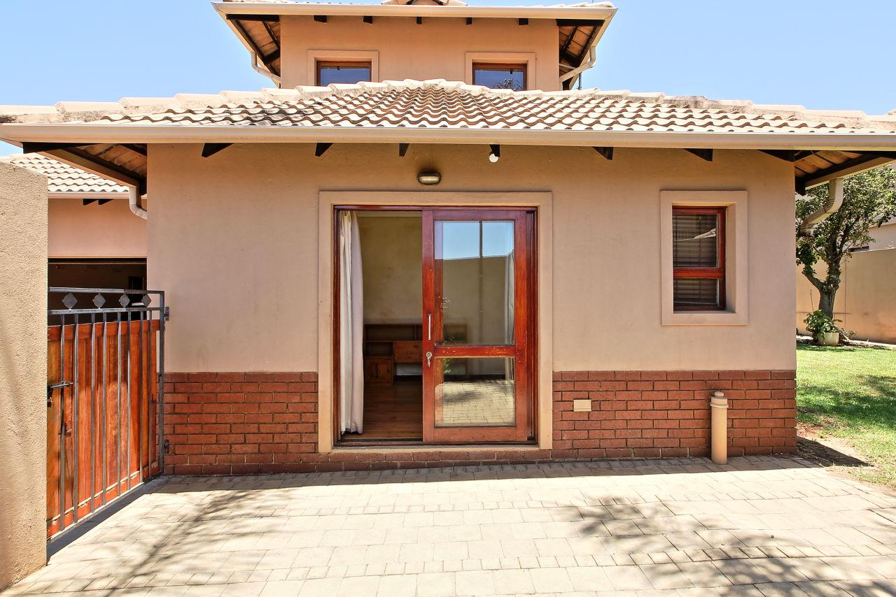 3 Bedroom House For Sale in Kyalami