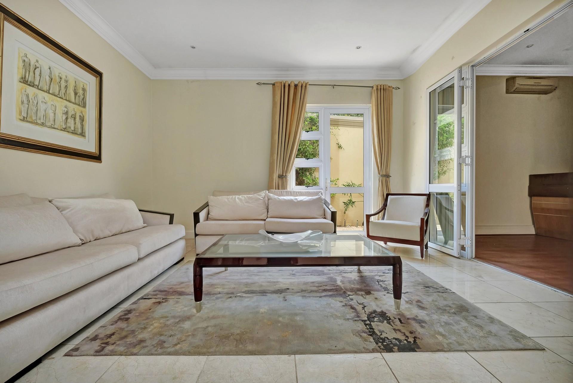 4 Bedroom House To Rent in Sandhurst