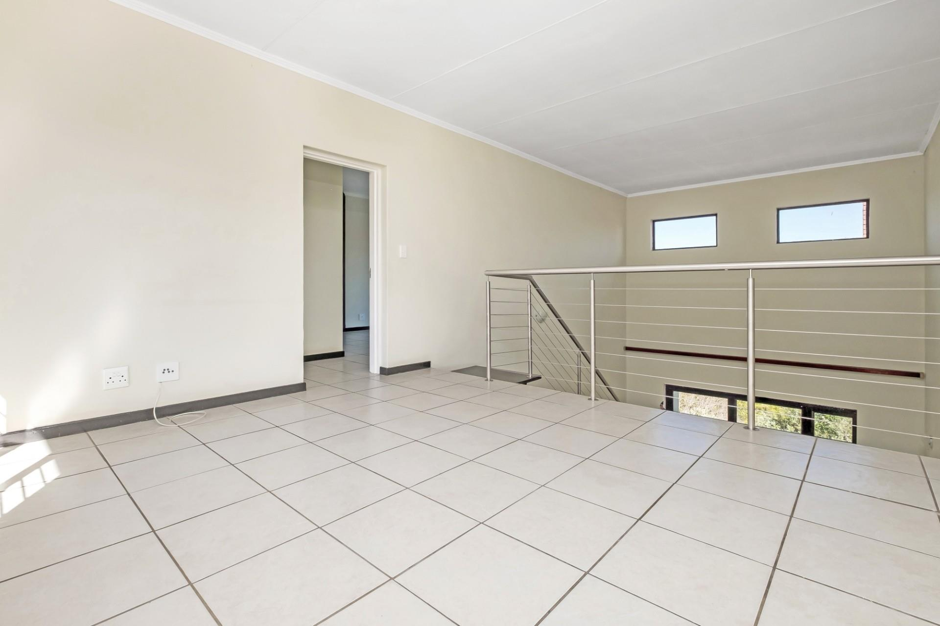 3 Bedroom Apartment / Flat For Sale in Sunninghill