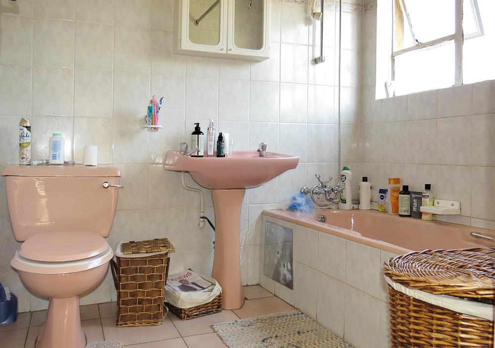 3 Bedroom House For Sale in Beverley Gardens