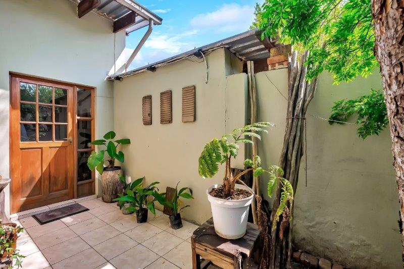 6 Bedroom House For Sale in Johannesburg North