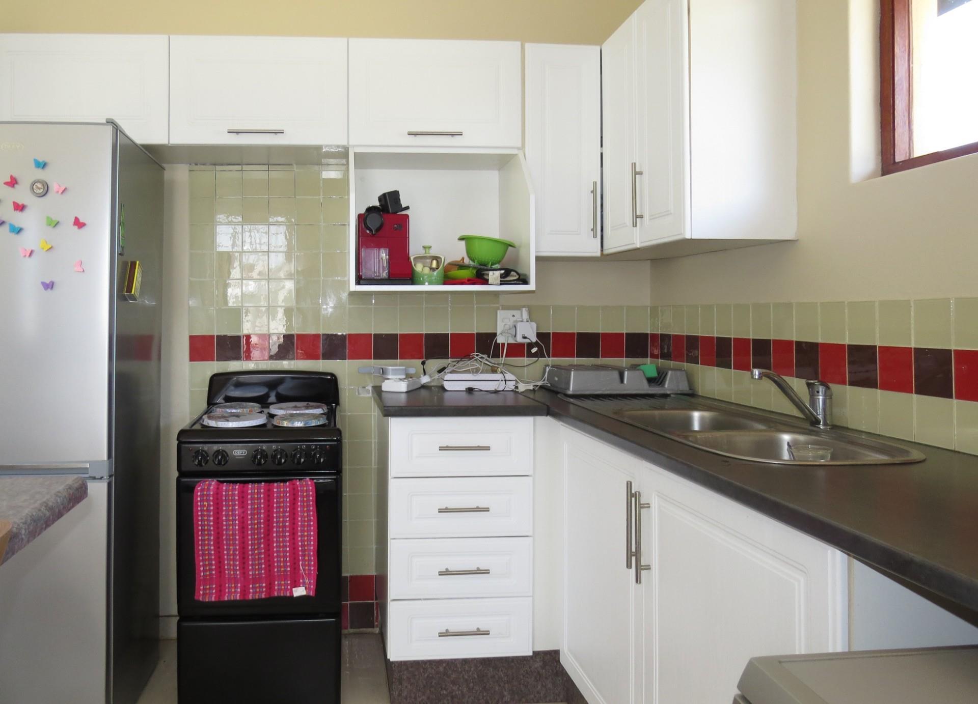 3 Bedroom House For Sale in Kensington B