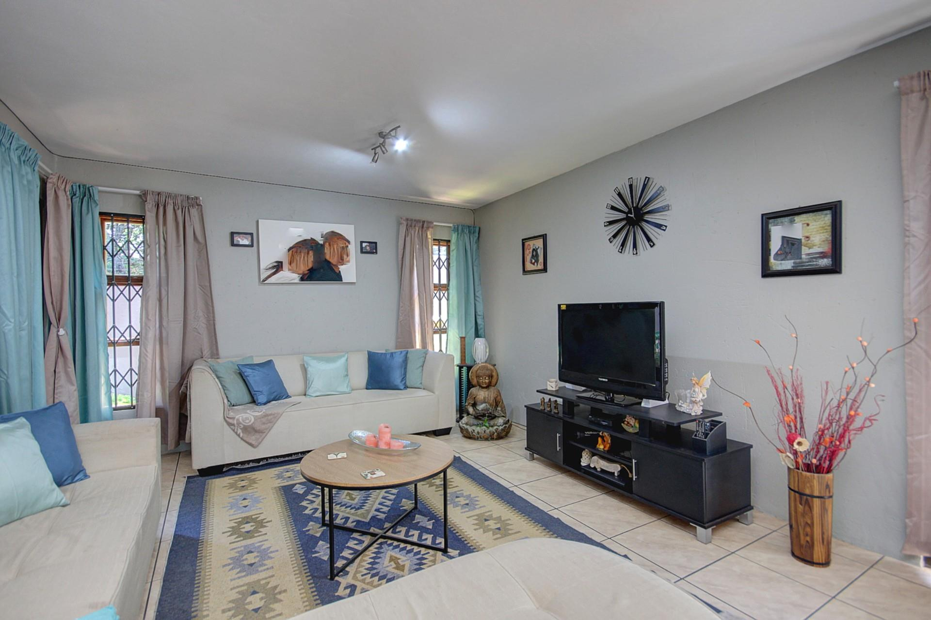 3 Bedroom House For Sale in Ferndale