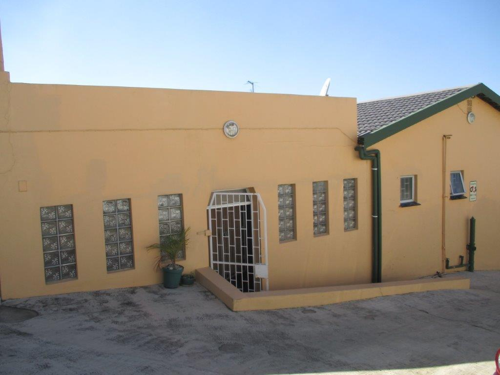 4 Bedroom House For Sale in Townview
