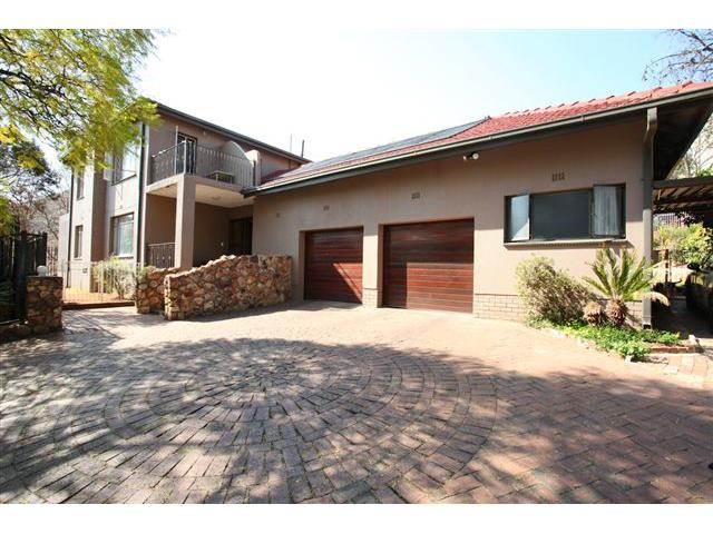 property and houses for sale in florida hills roodepoort