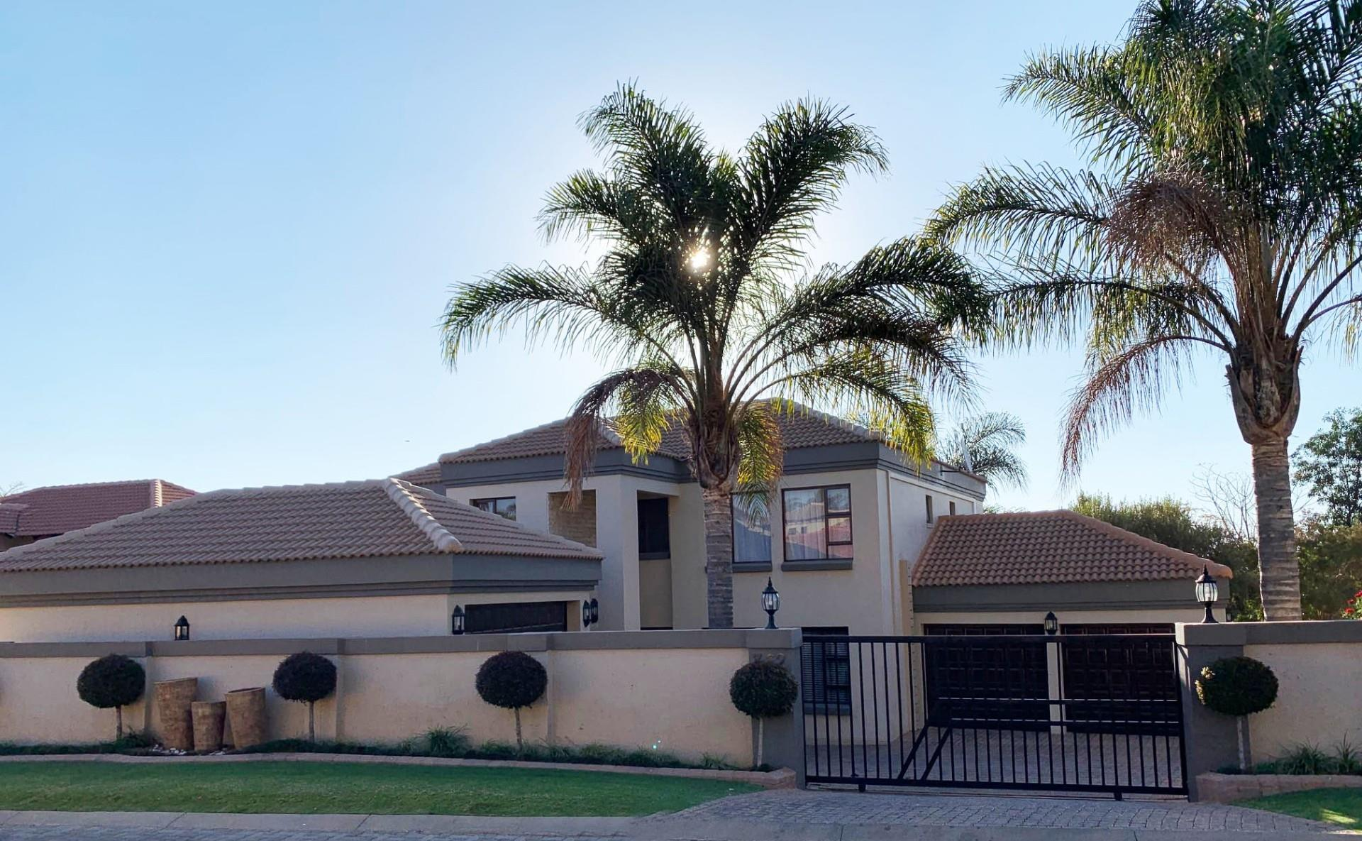 4 bedroom House in Ruimsig Country Estate | RE/MAX