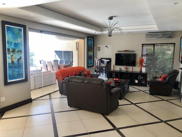 4 Bedroom House For Sale in Featherbrooke Estate