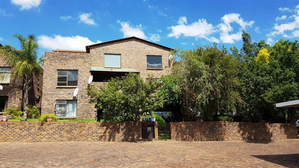 3 Bedroom Apartment For Sale in North Riding